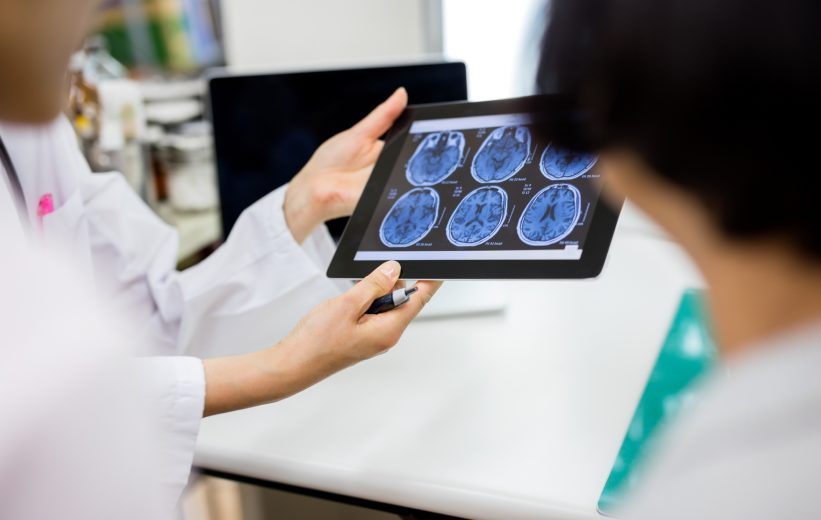 Healthcare Practitioners Viewing Concussion Imaging